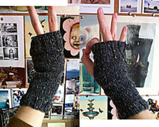 Super_simple_fingerless_gloves_small2