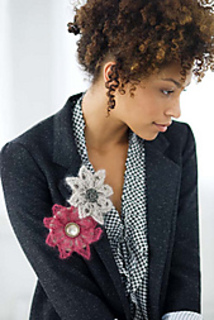 Lace_flower_pin_small2