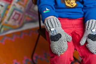 Sunshine_and_showers_mittens_3_small2