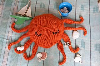 Sleepy_octopus_4_small2