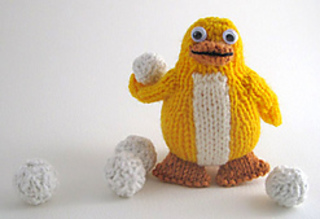 Knitted_penguin_snowballs_small2