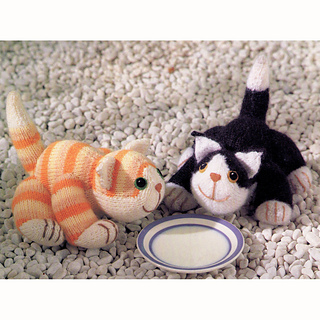 Knitted_ginger_and_black_and_white_cats_small2