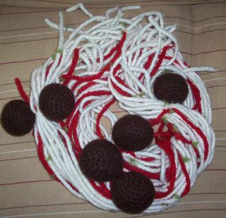 Spaghetti_scarf_pile1_small2