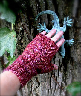 Magic_garden_mitts_1a_small2