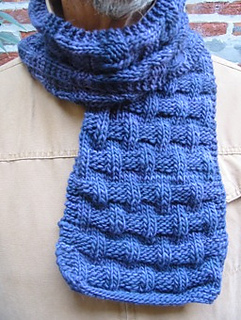 Mickey_scarf_detail_small2
