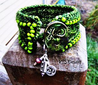Green_bracelet_002_small2