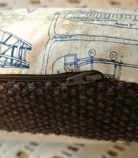 Vintage_aeroplane_pillow_4_small2