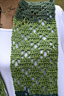 The_vintage_bloom_scarf_is_a_free_pattern_by_elk_studio_small2