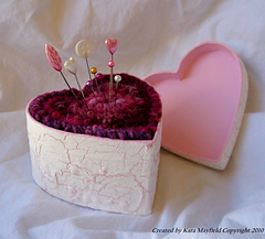 Red_heart_pincushion_3_small