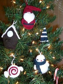 Christmas_ornaments_small2