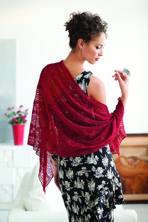 Knit_red_stole_model_small2
