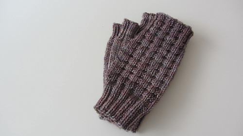Fingerless_mitts-neutral_medium