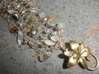 Gold_mix_-rutilated_quartz_and_citrine_794x595_small2