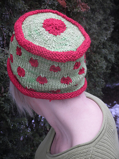 Polka_dot_hat_and_misc_036_small2
