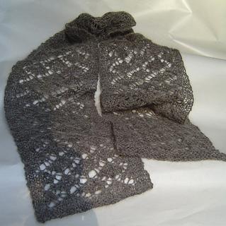 Ravelry: Ginkgo Leaves Scarf pattern by Annette Golonka