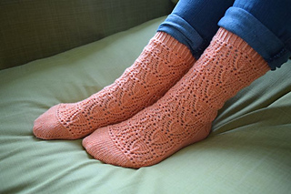 Ianthe_socks____my_life_in_knitwear_small2