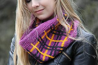 Tartania_testing_photo__the_knitting_vortex_small2