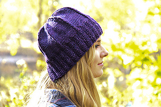 Slaunter_hat_iris_side_closeup_the_knitting_vortex_small2