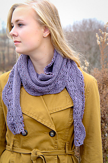 Hoopla_scarf_style_the_knitting_vortex_small2