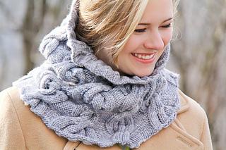 Chic_mega_cowl_last_look_the_knitting_vortex_small2
