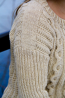Fisher_queen_shoulder_detail_the_knitting_vortex_small2