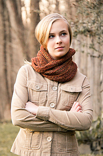 Roam_cowl_wrapped_small2