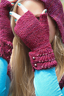 Escallop_mitts_peekaboo_the_knitting_vortex_small2