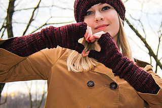 Crimpy_mitts_cover_the_knitting_vortex_small2