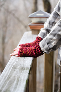 Cush_mitts_faraway_view_the_knitting_vortex_small2