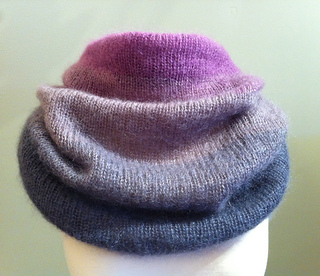 Ombre_cowl_small2