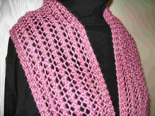 One_row_lace_scarf_or_shawl_small2