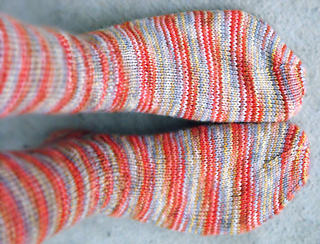 Star_edged_socks_side_of_top_small2
