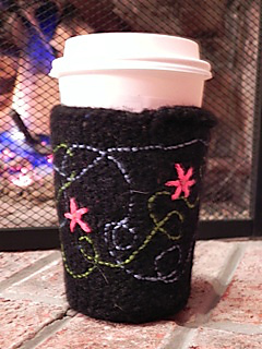 Carol_s_coffee_cozy_small2