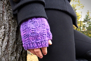 Hollyhockfingerlesspurple1edit_small2