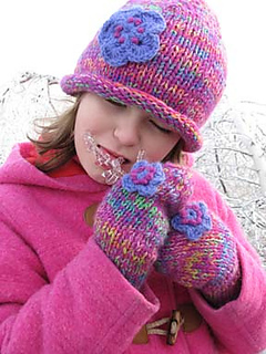 Winter_wonderland_eating_ice_small_small2