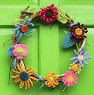 Knit_flower_wreath_web_page_small2