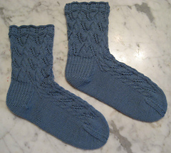 Lace_leaf_socks_small