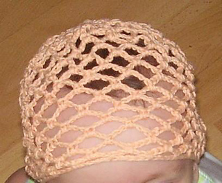 Fishnet_baby_hat3_small2