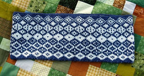 Allotrope_blue_cowl_9_medium
