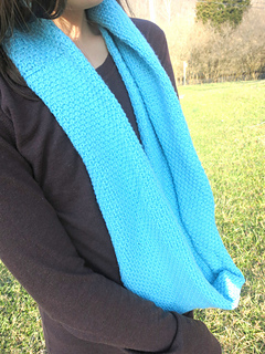 Ana_cowl_ravelry_pic2_small2
