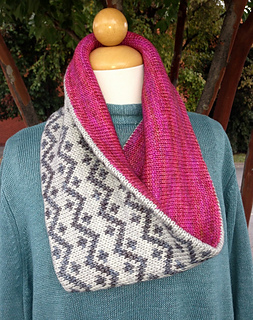 Drew_cowl_and_pink_fizz_pattern_photos_2013_016_small2