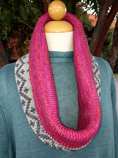 Drew_cowl_and_pink_fizz_pattern_photos_2013_019_small2