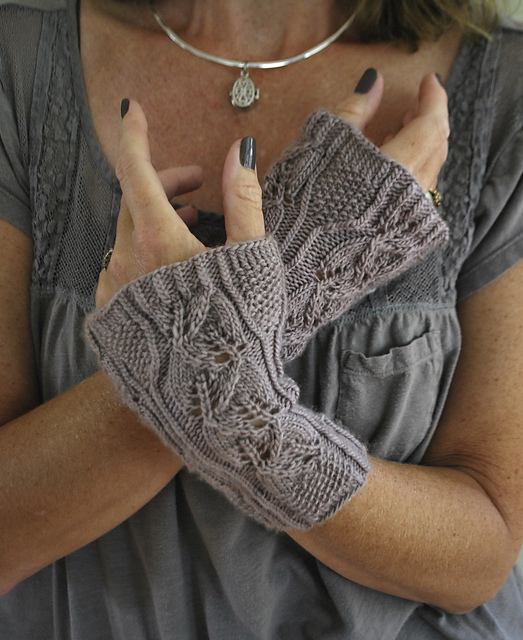 Lucia wrist warmers ravelry link