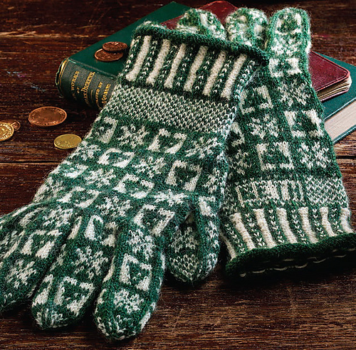 Winter: A Sanquhar Glove Pattern PDF