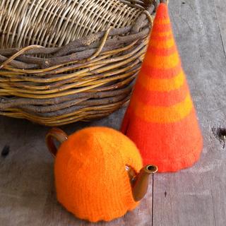 A_orange_elfin_base_small2