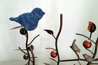 Bird_in_the_bush_small2