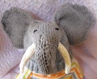 Bbe_elephant_beanie_7_small2