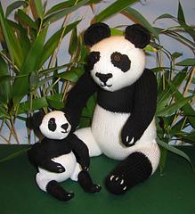 Panda_and_baby3_small