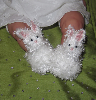 Baby_fluffy_bunny_boots_knitting_pattern_by_madmonkeyknits4_small2