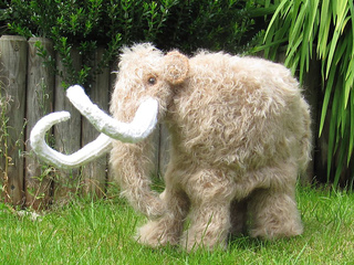 Mammoth_woolly_mammoth_by_madmonkeyknits3_small2